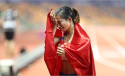 VĐV Nguyễn Thị Oanh (Bắc Giang) phá kỷ lục SEA Games nội dung chạy 3.000m vượt chướng ngại vật