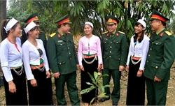 Tổ chức gặp mặt, giao lưu điển hình tiên tiến trong xây dựng nền quốc phòng toàn dân vào ngày 19-12