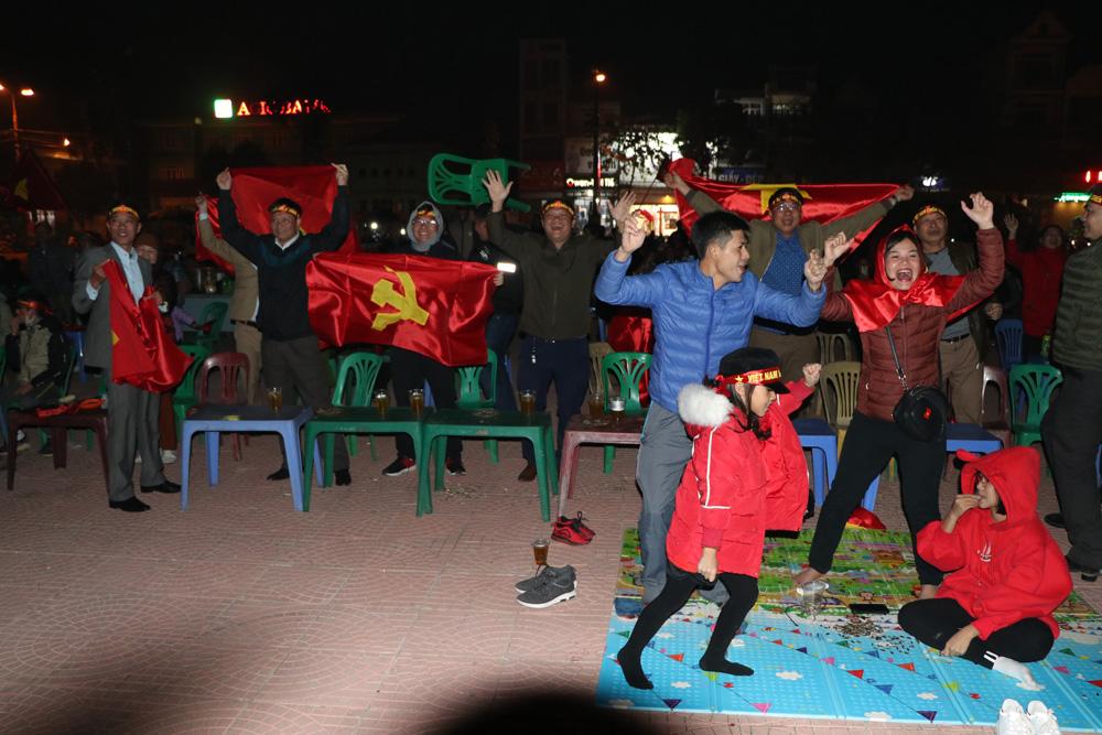 Người hâm mộ Bắc Giang, U22 Việt Nam, Đoàn Văn Hậu, Park Hang-seo