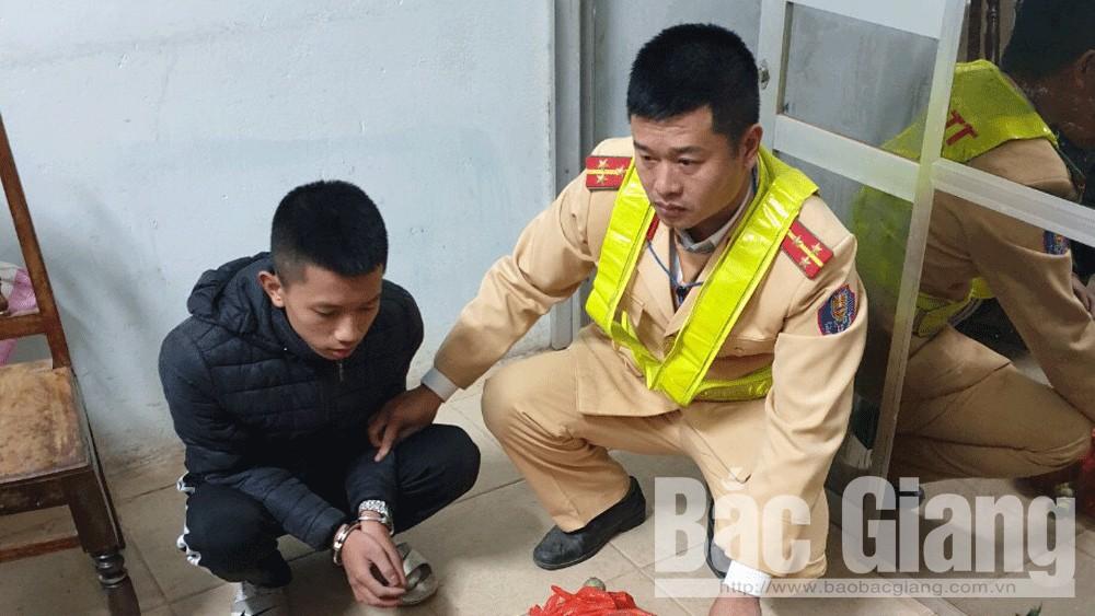 pháo nổ, Tân Yên, cảnh sát giao thông, Bắc Giang