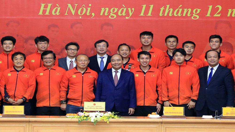 Thủ tướng Nguyễn Xuân Phúc, Cảm ơn, vì tình yêu bóng đá, vì màu cờ sắc áo