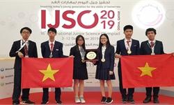Học sinh Việt Nam giành 3 HCV tại kỳ thi Olympic Khoa học