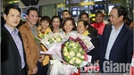Leader of Department of Culture, Sports and Tourism congratulates athlete Nguyen Thi Oanh
