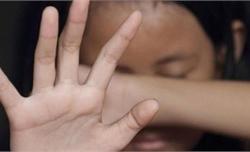 Gã đàn ông 49 tuổi thừa nhận dâm ô, hiếp dâm nhiều bé hàng xóm