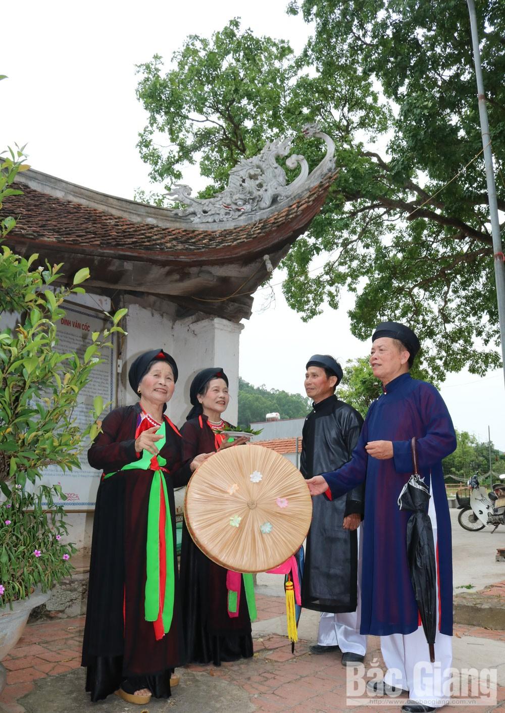 Van Coc village, ancient village, Cau River, Bac Giang province, religious works, communal houses, traditional festivals, ancient quan ho village