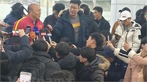 U23 Việt Nam đặt chân đến Hàn Quốc, luyện tập chờ giải U23 châu Á