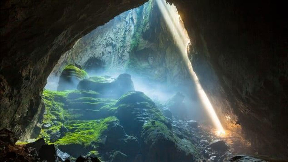 Private company, exclusive rights, Son Doong tours, Oxalis Adventure Tours, adventure seekers, world's largest cave,  tourist destination