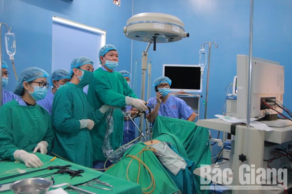Trung tâm Y tế Lục Ngạn, triển khai kỹ thuật mới, hệ thống máy lọc thận nhân tạo, tán sỏi thận bằng laser