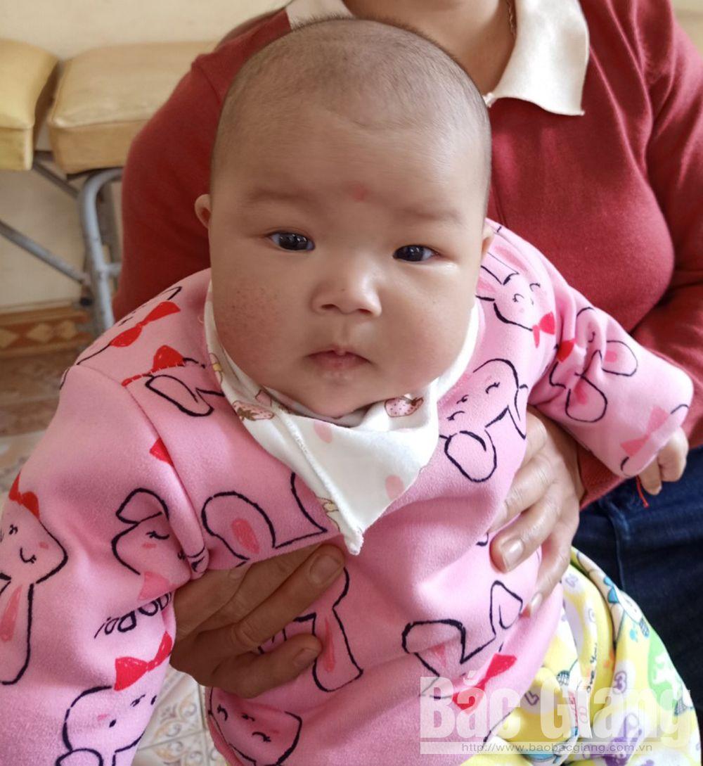 Bắc Giang, cháu bé bị bỏ rơi tại xã Tiên Lục, Lạng Giang