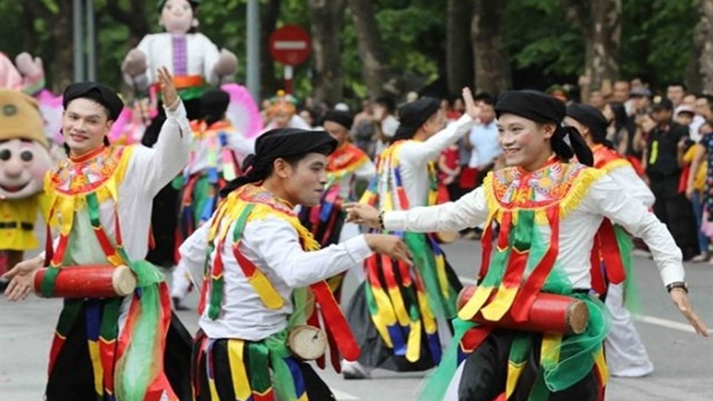 Folk festival, downtown Hanoi, Folk Culture, Contemporary Life Festival,  traditional handicraft villages, profound knowledge