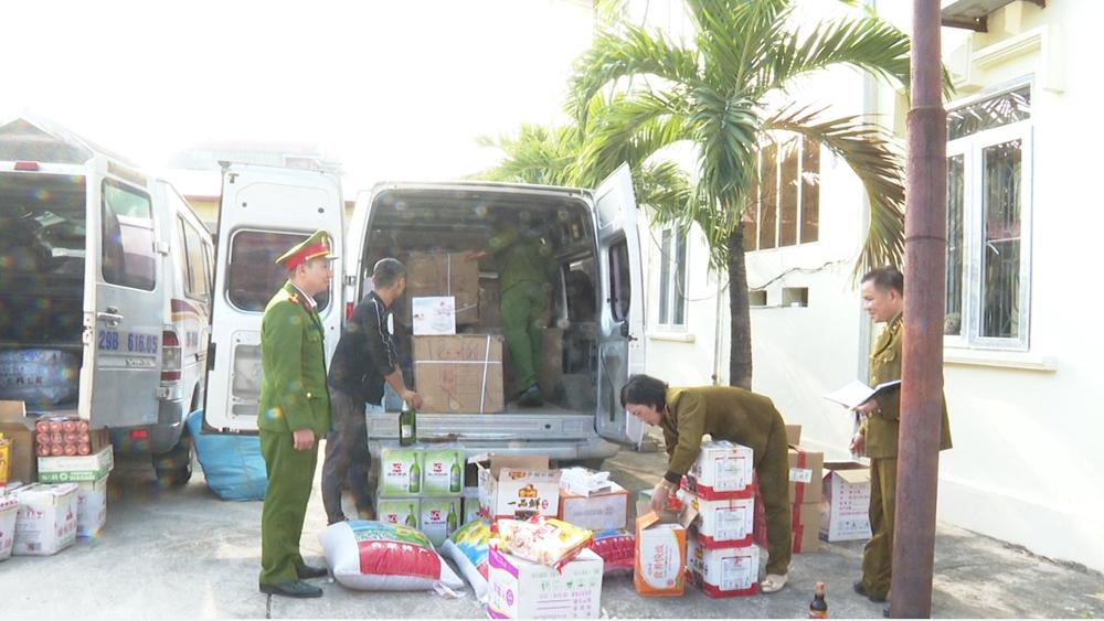 Bắc Giang: Một ngày, bắt hai vụ, vận chuyển, hàng lậu