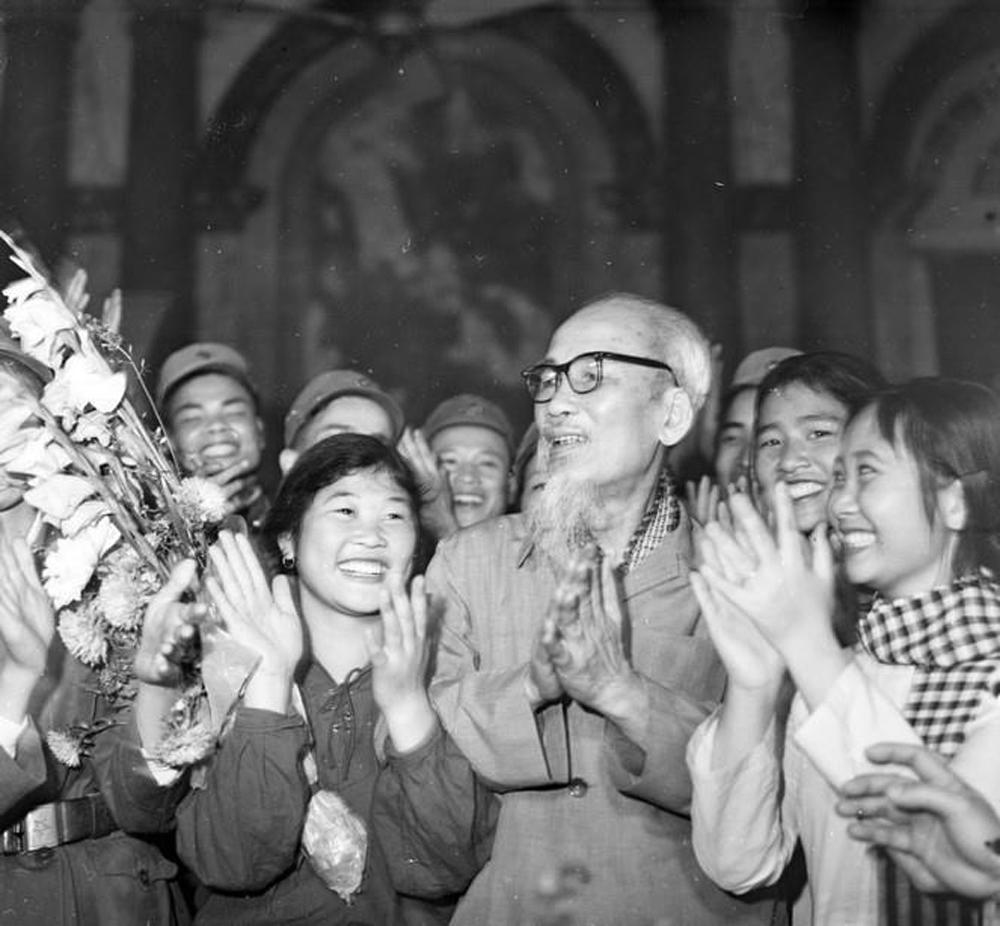 Chủ tịch Hồ Chí Minh, Người sáng lập, rèn luyện, Quân đội nhân dân Việt Nam