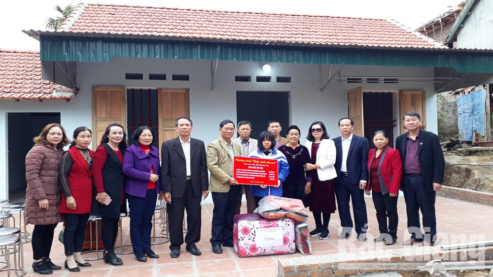 Bac Giang province,  impoverished students, Son Dong district, Fund for Protection of Children's Rights, new houses, specially difficult circumstances
