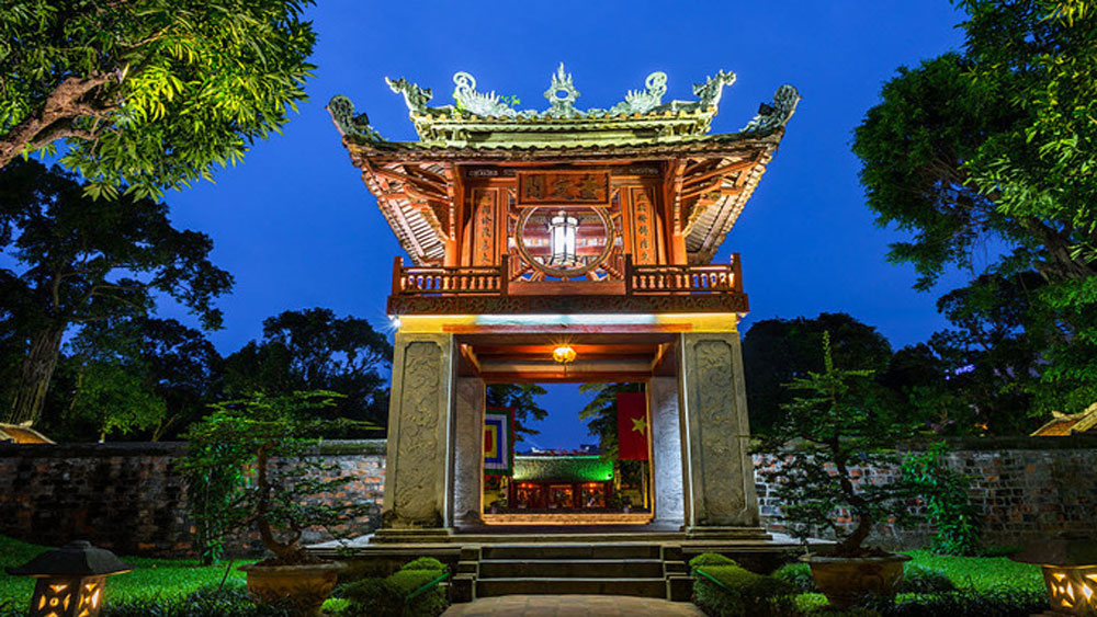 Iconic Vietnamese symbols, Japanese time piece, Famous watch brand,  Orient, Vietnam's sovereignty, Temple of Literature, international laws