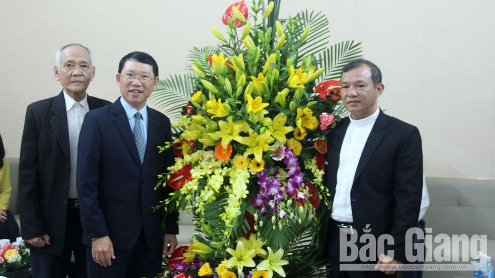 Phó Chủ tịch UBND tỉnh Lê Ánh Dương chúc mừng Giáng sinh tại Giáo xứ Bắc Giang và Ngọ Xá