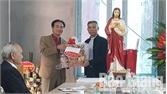 Yên Dũng: Thăm, tặng quà các giáo xứ, giáo dân nhân dịp Giáng sinh