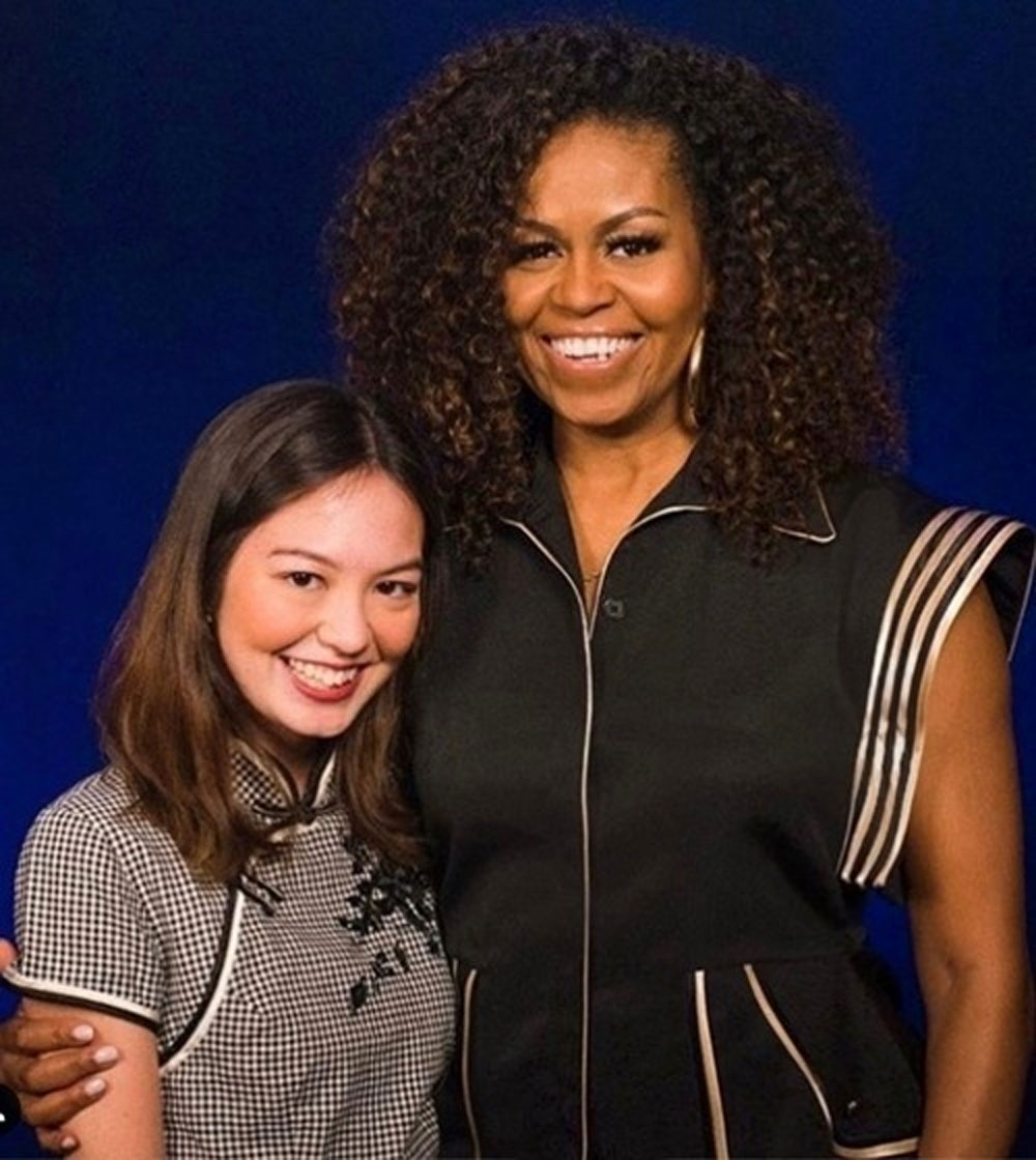 Michelle Obama, Cong Tri outfit, Singapore, Former U.S. first lady,  short-sleeved shirt,  matching pants,  visual highlight, unique life perspectives