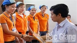 Bắc Giang: Một doanh nhân tiêu biểu được trao giải thưởng Sao Đỏ