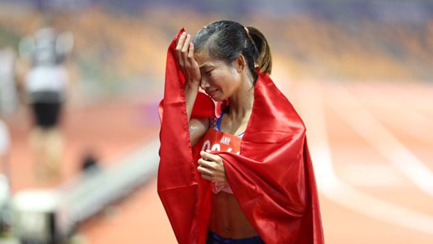 Bonuses, athlete Nguyen Thi Oanh, Bac Giang province, track and field, gold medal, 30th SEA Games, bonus and encouragement