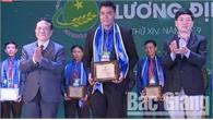 Anh Phạm Văn Thương (Bắc Giang) nhận giải thưởng Lương Định Của