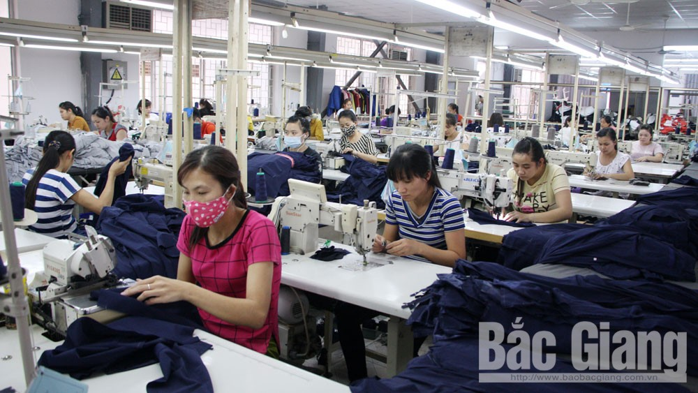 Vietnam JMC Co.,Ltd to spend over 4 billion VND as laborers' Tet bonus