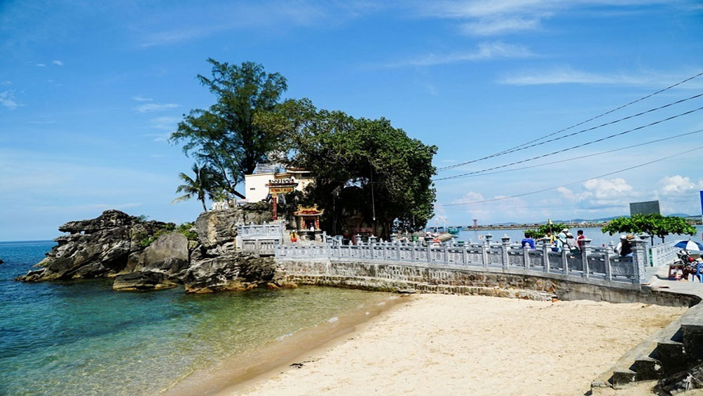 300-year-old, Dinh Cau Temple, protective net, Phu Quoc fishermen, smooth voyage, prominent religious icons, mythical legends