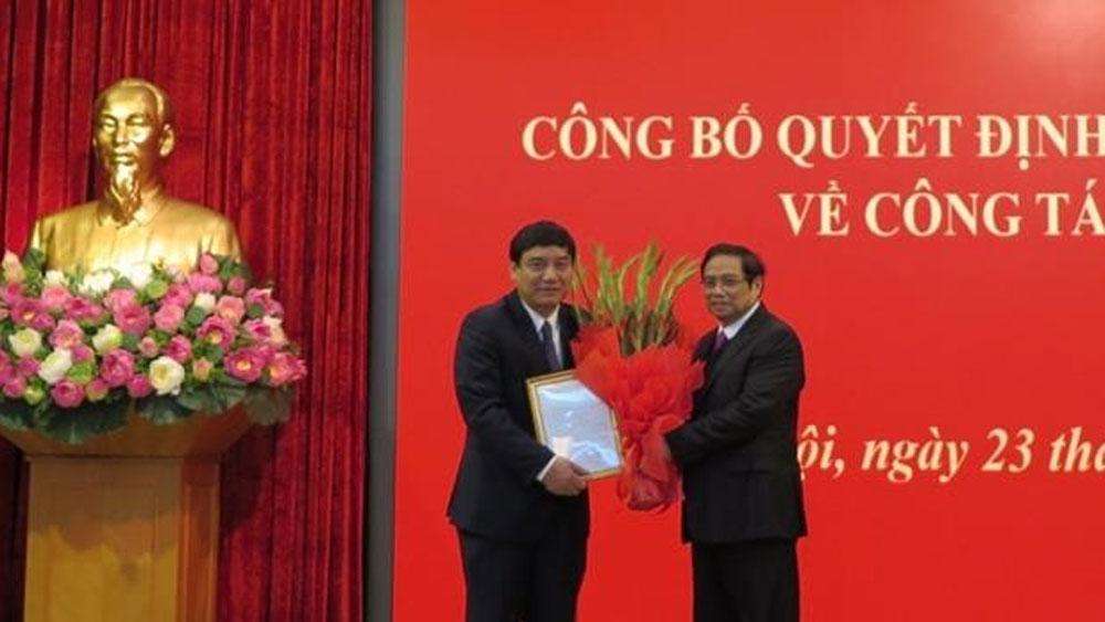 Bộ Chính trị điều động, phân công đồng chí Nguyễn Đắc Vinh giữ chức Phó Chánh Văn phòng Trung ương Đảng