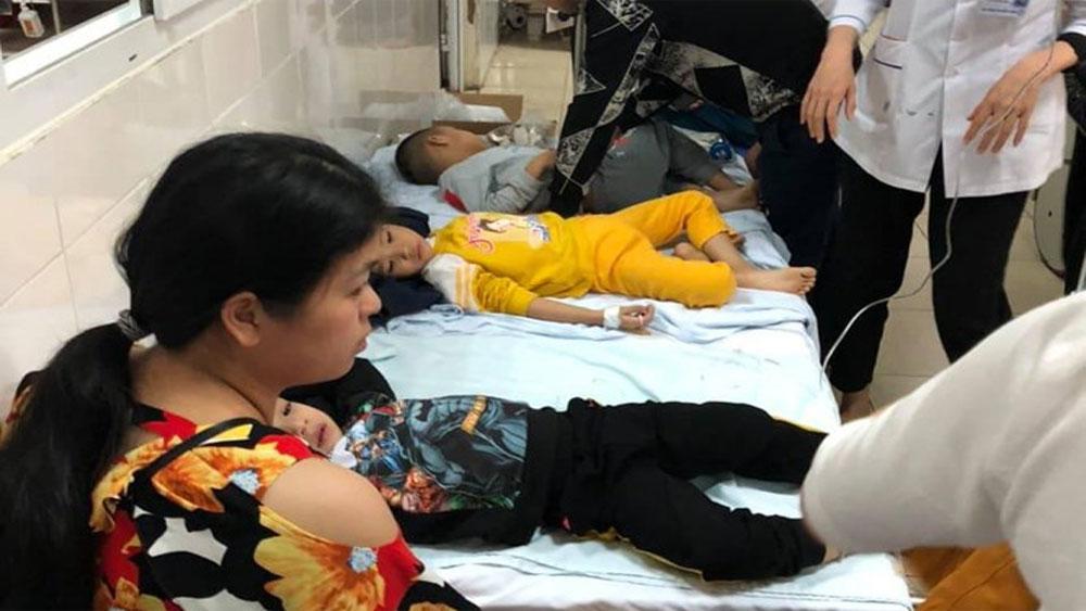 Hàng chục trẻ Trường Mầm non Vườn Mặt trời nhập viện sau bữa ăn