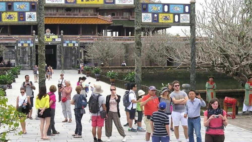 Vietnam aims for 20.5 million foreign tourists in 2020