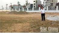 Về việc sân bóng thôn Dục Quang, thị trấn Bích Động (Việt Yên) bị hư hỏng: Nhiều hạng mục đang được cải tạo, nâng cấp