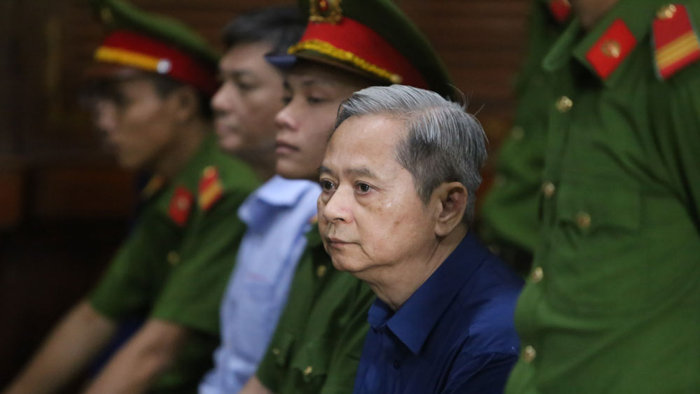 Xét xử nguyên Phó Chủ tịch UBND TP Hồ Chí Minh Nguyễn Hữu Tín và đồng phạm