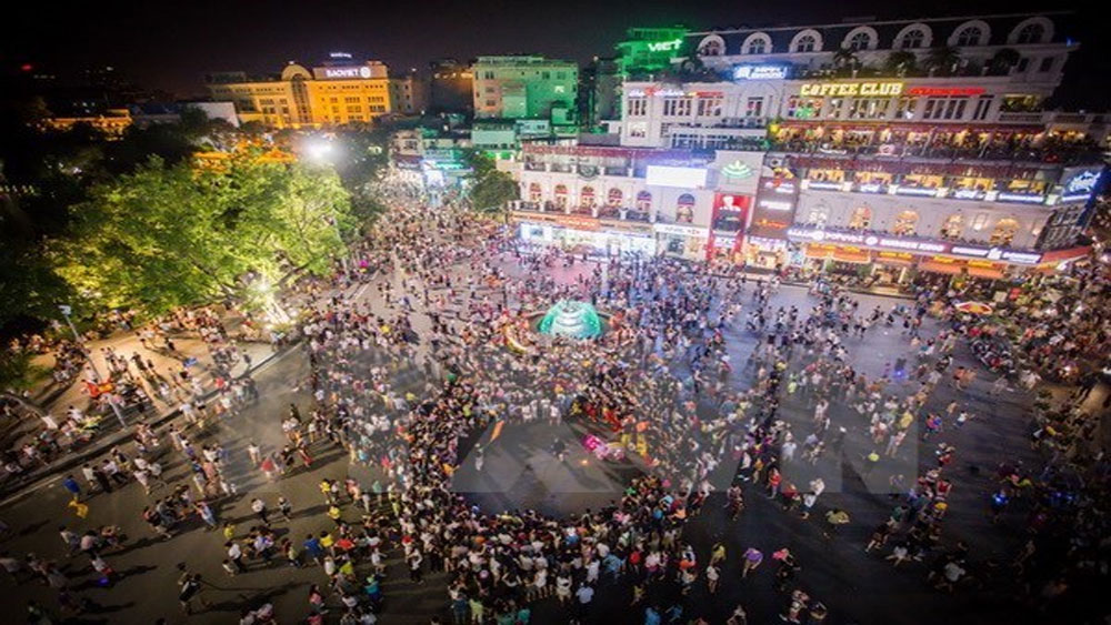 Pedestrian space around Hoan Kiem Lake to be officially operational