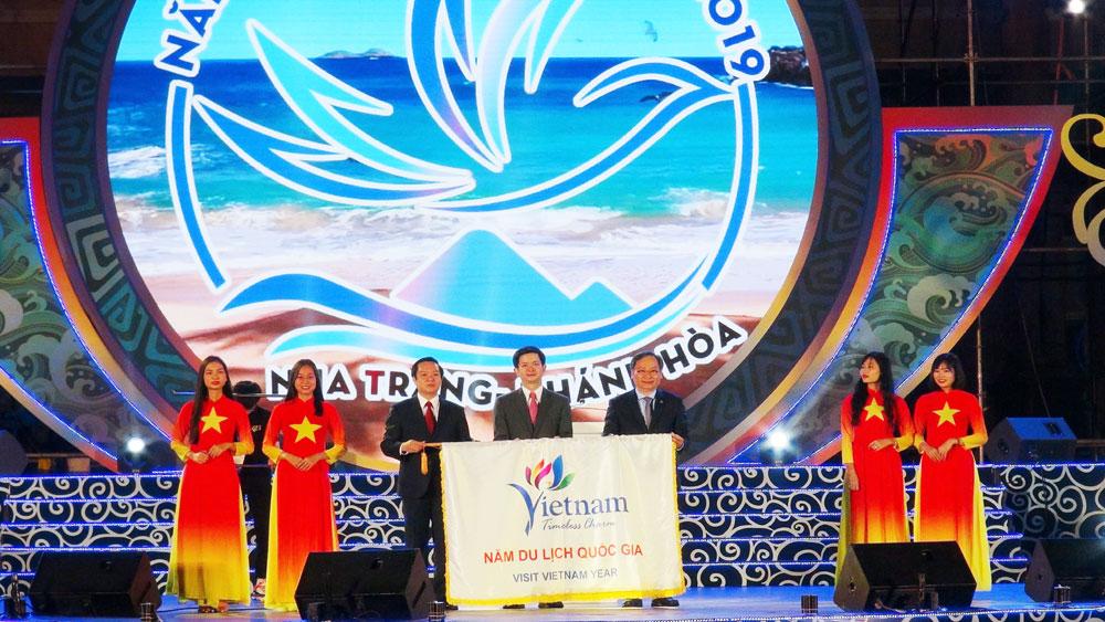 Bế mạc Năm Du lịch Quốc gia 2019: Lần đầu tiên ngành Du lịch Việt Nam đón 18 triệu lượt khách du lịch quốc tế