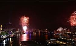Pháo hoa rực trời Sydney và Auckland đón năm 2020