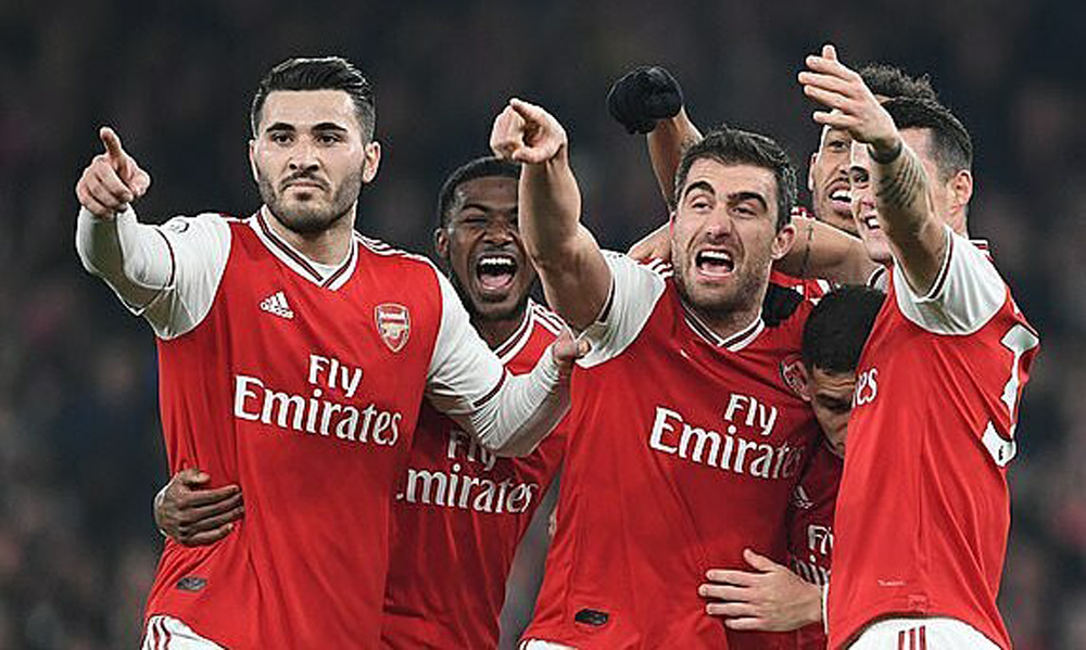 Arsenal hạ Man Utd