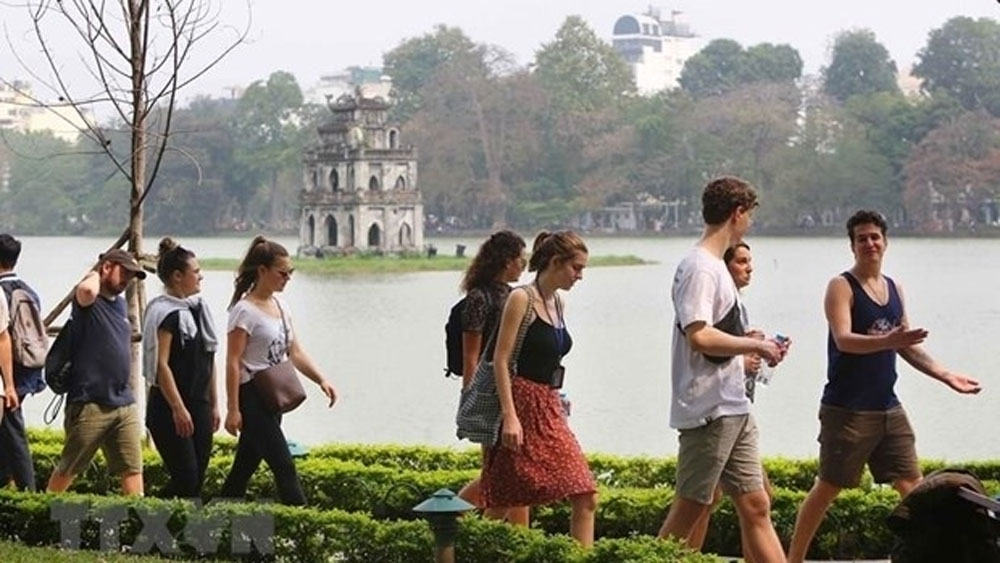 Hanoi welcomes 81,000 visitors on New Year's Day