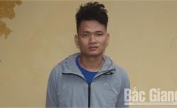 Bắc Giang: Bị phát hiện khi cất giấu pháo nổ tại bụi cây
