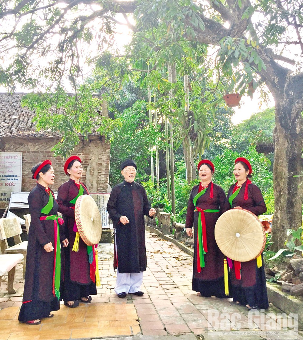 Falling in love, quan ho songs, love duet singing, Bac Giang province, Kinh Bac region, quan ho Kinh Bac, folk art, unique cultural value