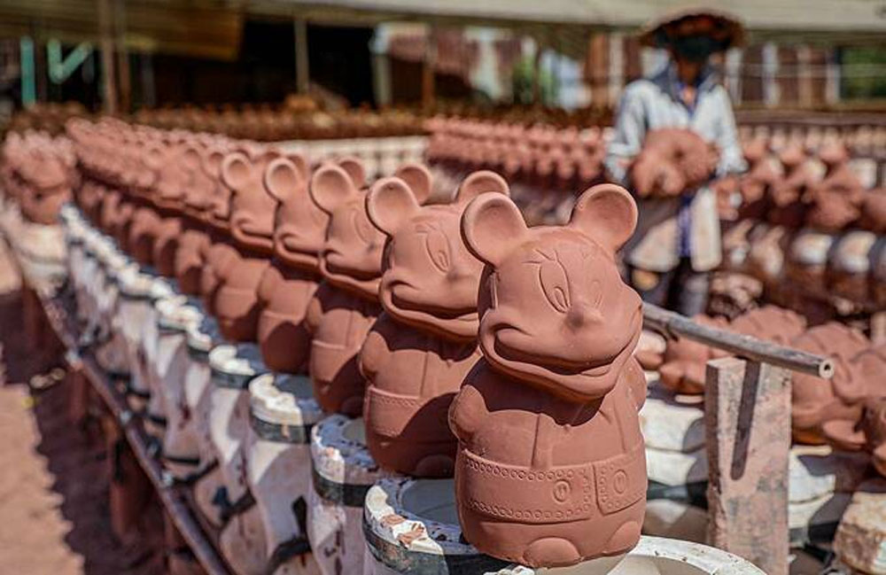 Southern ceramic kilns, work overtime, Year of the Mouse, Ceramic workshops, Binh Duong province, mouse statues