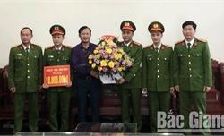 Bắc Giang: Khen thưởng chuyên án bắt đối tượng tàng trữ gần 1 nghìn viên ma túy tổng hợp
