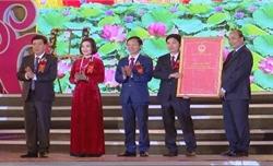 Thủ tướng Nguyễn Xuân Phúc dự lễ thành lập thị xã Duy Tiên