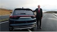 Tổng thống Erdogan lái thử ô tô điện đầu tiên của Thổ Nhĩ Kỳ