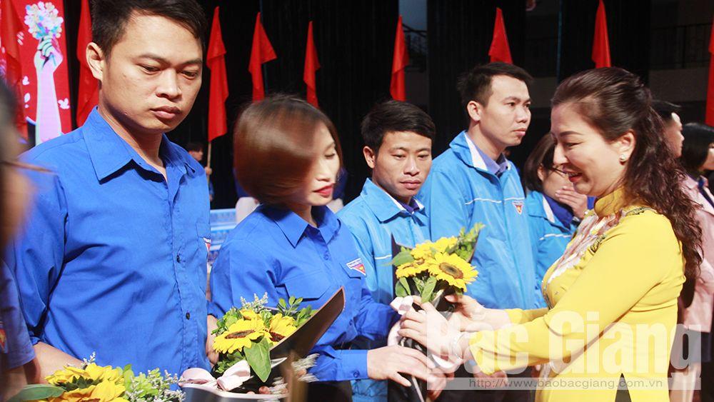 Bắc Giang: Tuyên dương 90 đảng viên trẻ tiêu biểu