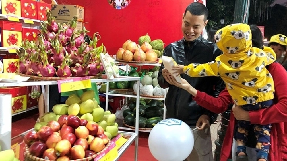 Hanoi opens trade fair to serve Tet demand