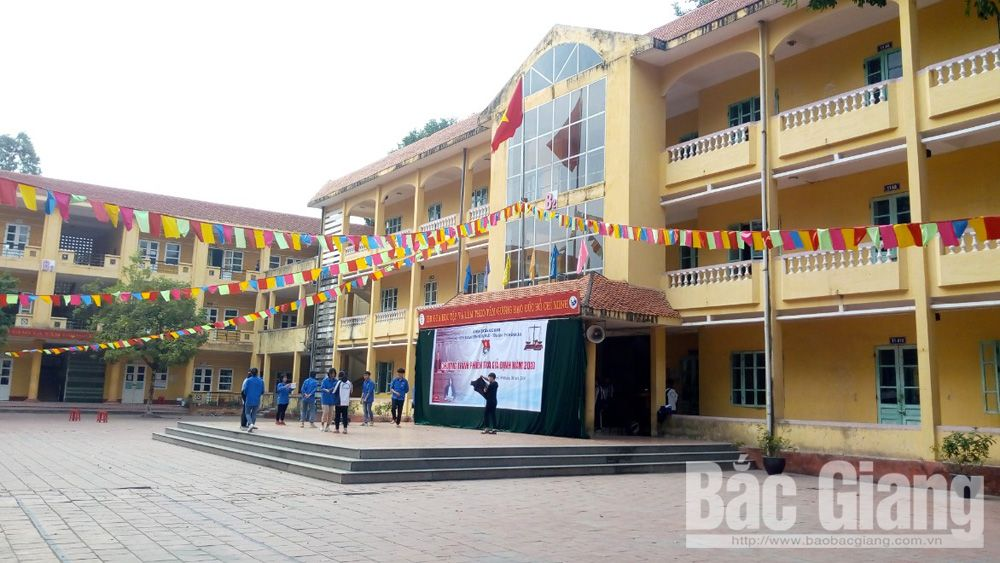 Smart school, Luc Nam High School, technical infrastructure, Bac Giang province, information technology, education sector