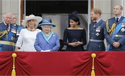 Nữ hoàng Anh triệu tập cuộc họp Hoàng gia để thảo luận phương án giải quyết khủng hoảng
