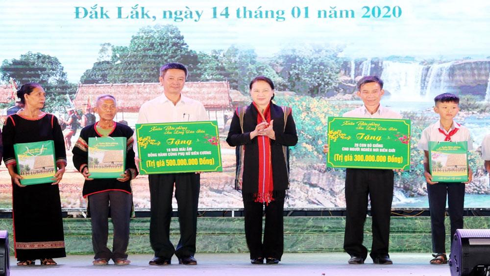 Chủ tịch Quốc hội Nguyễn Thị Kim Ngân, chương trình, Xuân Biên phòng ấm lòng dân bản,