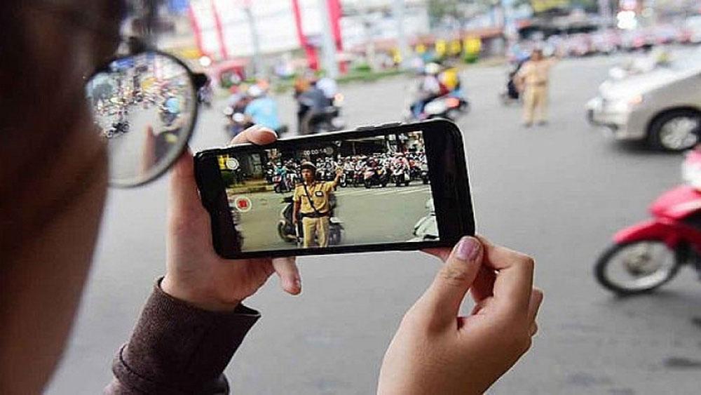 Từ hôm nay dân được ghi âm, ghi hình cảnh sát giao thông