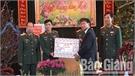 Chủ tịch UBND huyện Đặng Văn Nhàn thăm, chúc Tết gia đình chính sách và Lữ đoàn 203