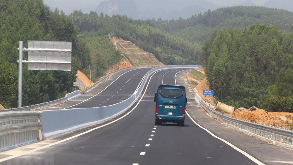 Bac Giang – Lang Son Expressway officially opens to traffic